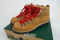 New! Danner Women's 9.5 M Mountain Light Cascade 5 Leather $360 Hiking Boot Dry